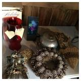 Lot- Red Globe, Bun Pan, Wreath, Fiberoptic Light,
