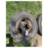 Ford F-350 8 Bolt Rim With Tire