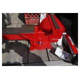NEW VISE- RED