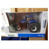 NEW HOLLAND T8 420 1/32 SCALE