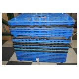 23 SMALL PLASTIC PALLETS