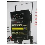 NEW - SCHUMACHER AUTOMATIC 12V BATTERY CHARGER