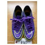 NIKE HYPERVENOM INDOOR SOCCER SHOES-SIZE 3 YOUTH