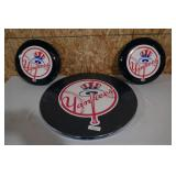 NY YANKEES PUB TABLE & 2 BARS STOOLS-NEW IN BOX