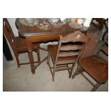 DINING TABLE W/ 4 CHAIRS AND LEAF