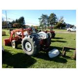 Ford 801 Tractor w/ Loader & Bucket