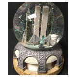 Vintage New York Landmarks Rotating Snow Globe