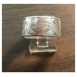 Vintage Sterling Silver Floral Pattern Ring
