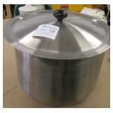 Large Stainless Steel Round Bottom Pot w/Lid