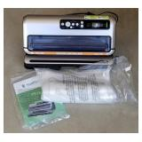 Foodsaver Vacuum Sealer W/ Bags