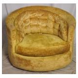 Broyhill Mid Century Club Barrel Swivel Chair