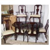 Mahogany Queen Anne Dining Room Table & 6 Chairs