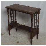 Vintage Colonial Spindle Leg End Table