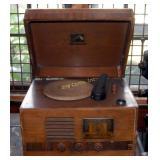 Vintage R C A Victor Am Radio Record Player 1950