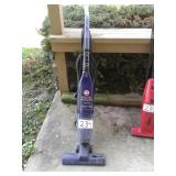 2 SPEED HOOVER BAGLESS CYCLONIC ACTION VACUUM
