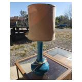 RETRO TABLE LAMP (BROKEN AT TOP)