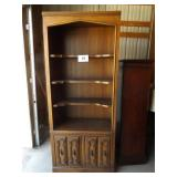 BOOKCASE W/3 SHELVES & BOTTOM DOORS
