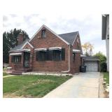 Move In Ready Brick Home Near The Toledo Hospital at Online Auction