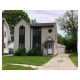 Fully Leased Duplex Near The Toledo Hospital at Online Auction