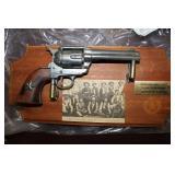 Colt.45 Peacemaker Replica W/wall Gun Display