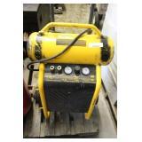 Dewalt Air Compressor Model D55146 200 Psi 4.5 Gal