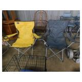 2 folding outdoor chairs