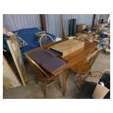 (2) leaves dinning room table & (4) chairs