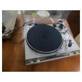Technix quartz direct drive turntable system