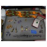 tray lot of jewelry