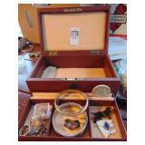 Red leaf jewelry box and jewelry