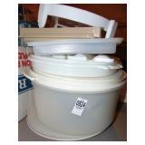 Plastic kitchen storage containers