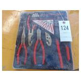 Mac Tools general purpose pliers set