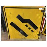 Merging Traffic Sign