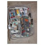 TOTE WITH MIXED SPORTS CARDS