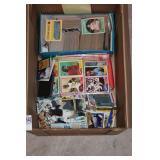 BOX MIXED SPORTS CARDS & MEMORABILIA