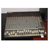 MACKIE CR1604-VLZ 16-CHANNEL MIXER