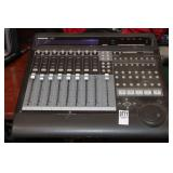 MACKIE 8-CHANNEL MASTER CONTROL