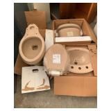 Pallet of Toilet Items, Mail Box etc