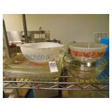 2 Pyrex Pans and 3 Bowls