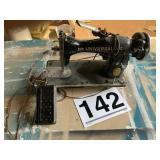 Universal SA30457 sewing machine