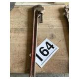 Large pipe wrench