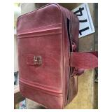 New Vista 4 piece Luggage small tear on lg piece