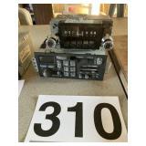 Am Philco radio and Delco am/fm radio