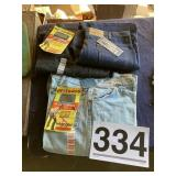 Jeans Wrangler Levi Strauss 42/30 and 40/30 w/tags