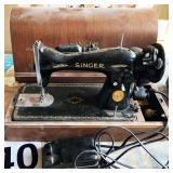 Singer sewing machine J078703