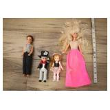Pair Of Small Barbies And Pair Of Mini Dolls