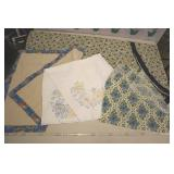 """Floral Pattern Table Covers, Large Round Is 89"""""""