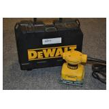 Dewalt Palm Grip Sander In Case