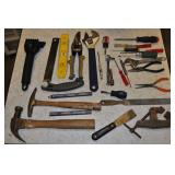 Assortd Tools - Claw Hammer Tack Hammer Level Misc