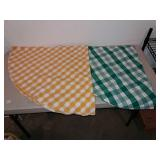 2 Round Tables Cloths, Plaid Green And White